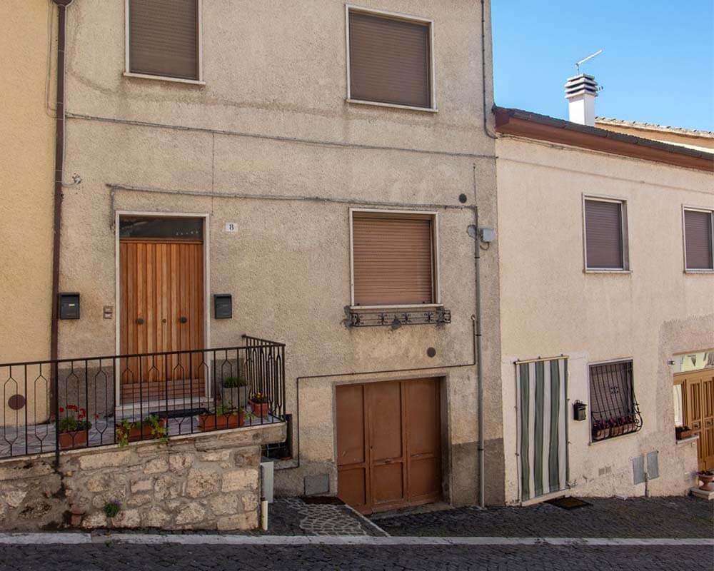 Porzione Di Casa in Vendita in Via Giuseppe Verdi a Alviano