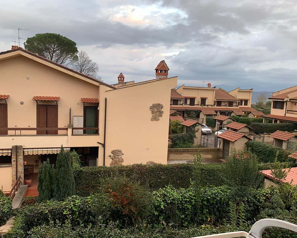 Villetta a Schiera in Vendita in Via Colle Sant'Angelo a Orte Rif. 2 ort