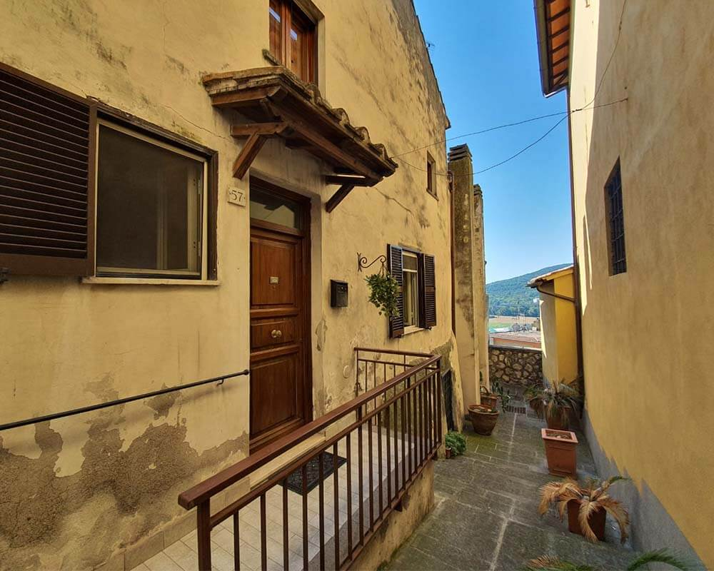 Quadrilocale in Vendita in Via Giordano Bruno a Orte Rif 10 ort