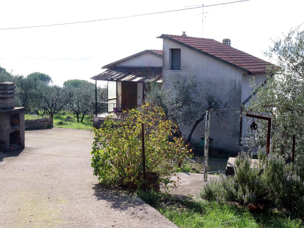 CASA SINGOLA CON GIARDINO -Rif.23alv