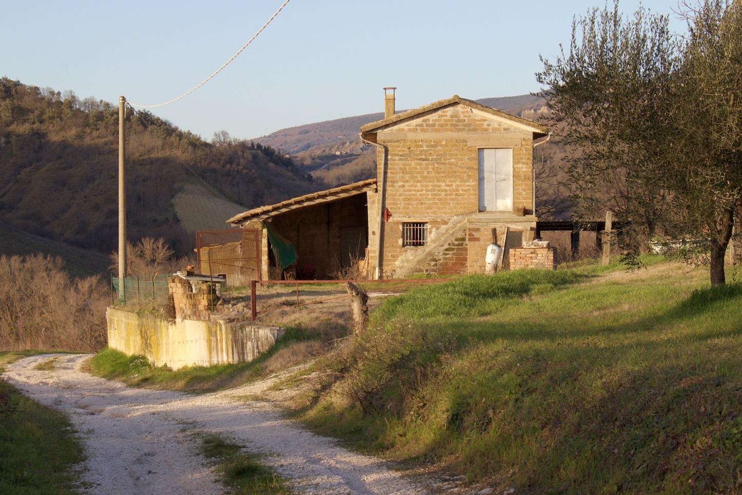 CASALE CON TERRENO – Rif. 17alv