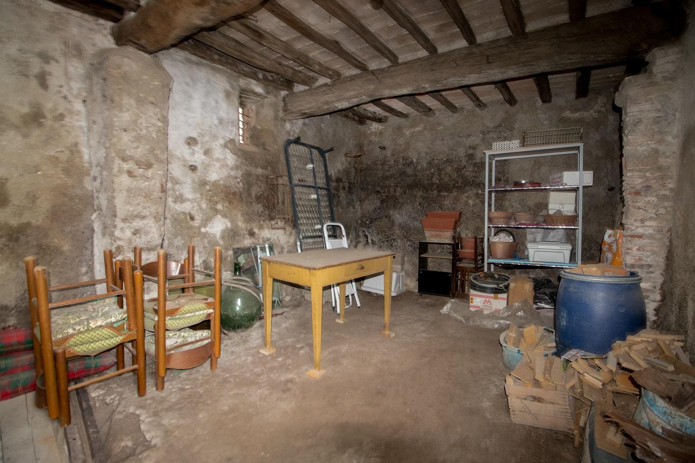 Porzione Di Casa in Vendita a Porchiano del Monte Rif. 10por