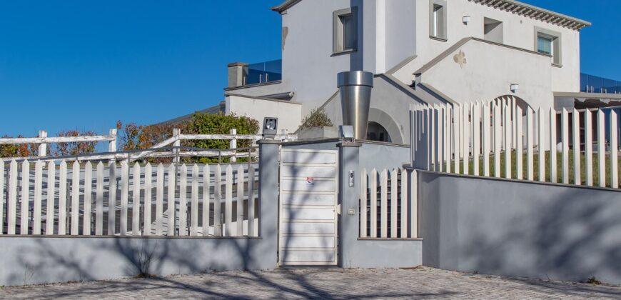 Villa in Vendita in Via Acquasanta a Collazzone Rif. 2per