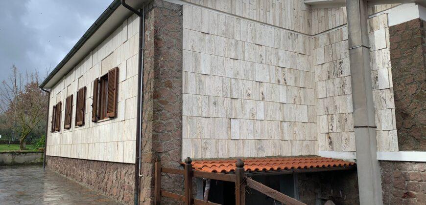 SPLENDIDA VILLA SINGOLA CON GIARDINO Rif 24 BASS