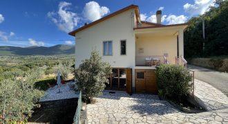 Villa in Vendita a Montecchio in Località Tenaglie Rif. 1mon