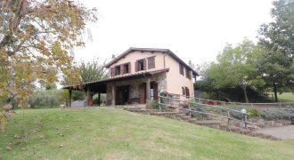 Casale in Affitto a Penna in Teverina in Località Santa Lucina RIf. 34pen